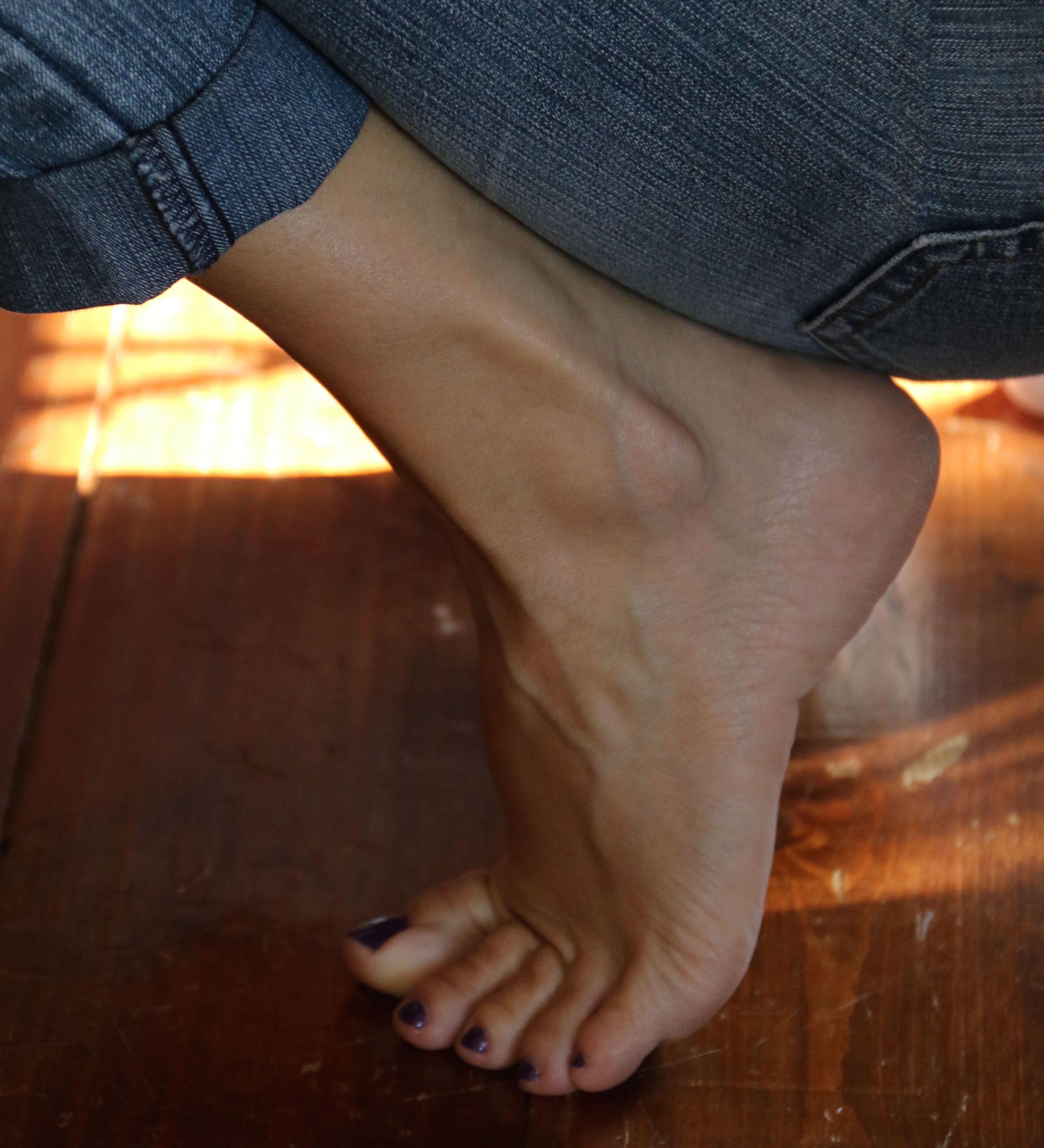 Feet Elizabeth-Jayne Tierney nudes (56 photo), Pussy, Is a cute, Instagram, in bikini 2017